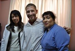 Nursing Elective volunteers pose with colleagues at a placement in Peru